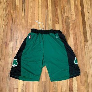 Mens ADIDAS Boston Celtic Shorts XL